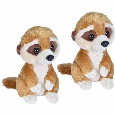 2x stuks pluche bruine baby stokstaartje knuffel 18 cm speelgoed