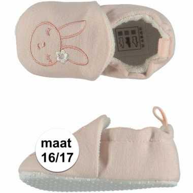 Lichtroze babyslofjes met konijntje maat 16/17