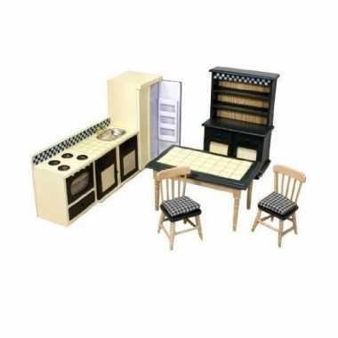 Victoriaans poppenhuis keuken meubels
