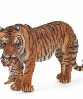 Plastic tijgerin met welpje 14 5 cm